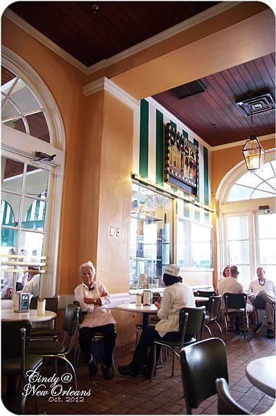 Cafe Du Monde-03
