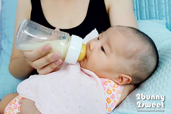chicco 奶瓶-04