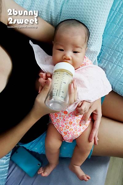 chicco 奶瓶-06