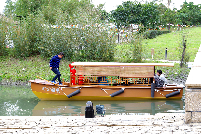 宜蘭傳藝中心內部搭船遊河