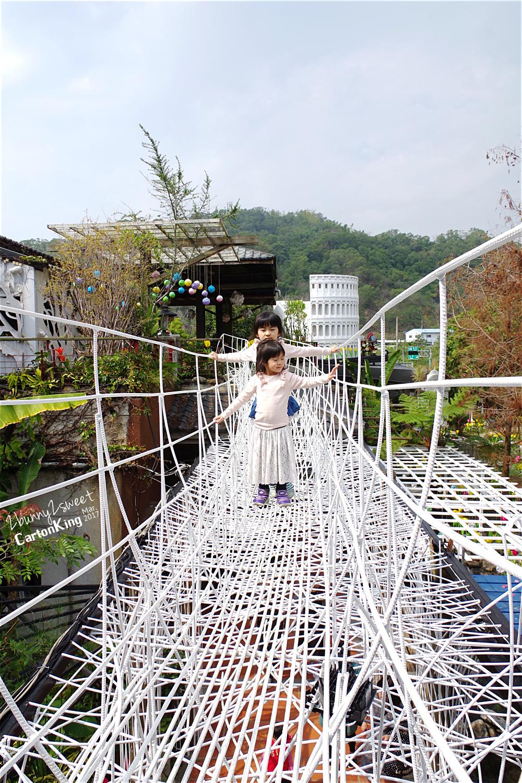 台中大坑紙箱王創意園區么么步道吊橋