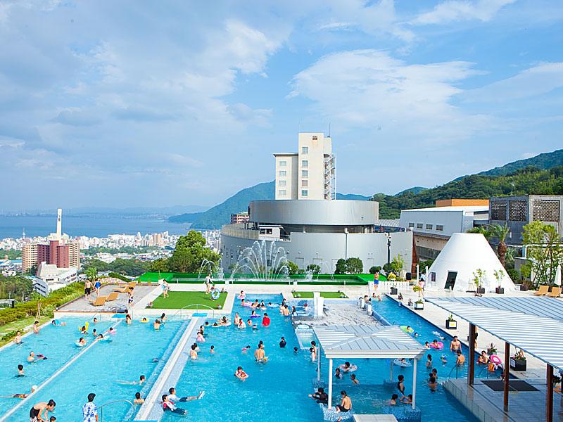 Kyushu-Beppu-Suginoi-Hotel-the-aqua-garden