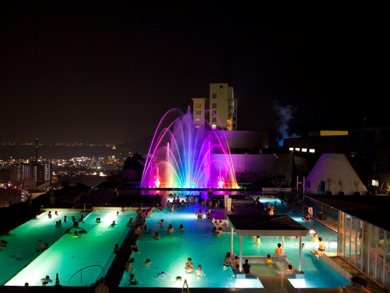 Kyushu-Beppu-Suginoi-Hotel-the-aqua-garden-show