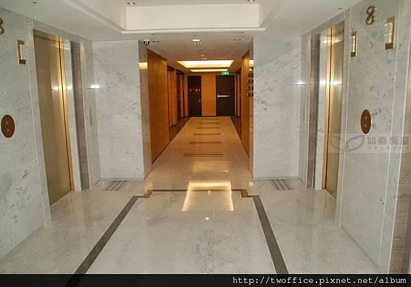 樓層梯廳-2