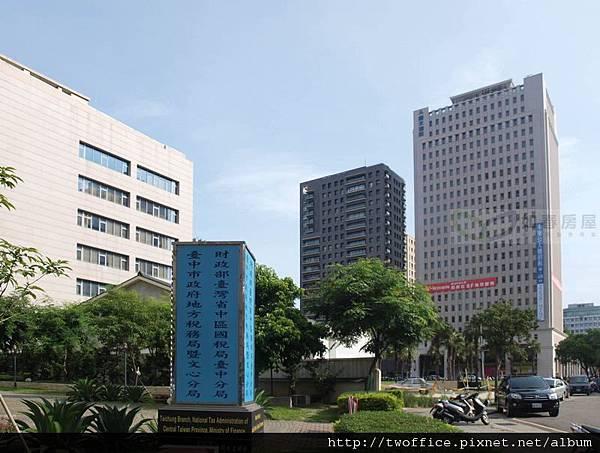 鄰近台中市政府地方稅務局