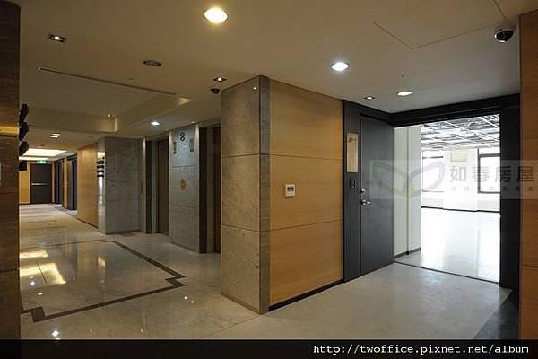 樓層梯廳-1