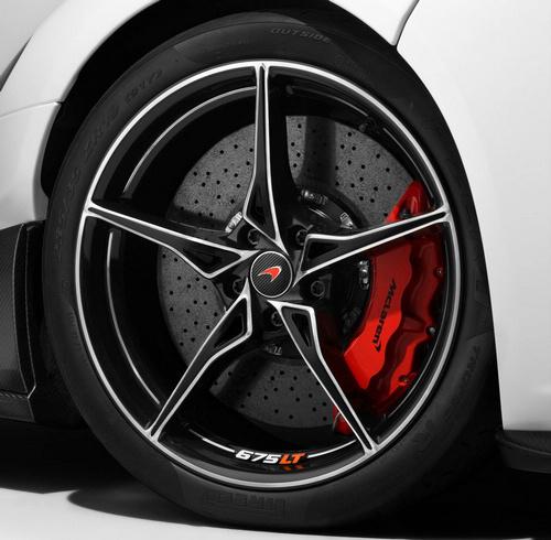 McLaren675LT_12