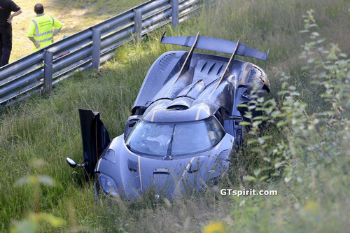 Koenigsegg-One1-Crash-1