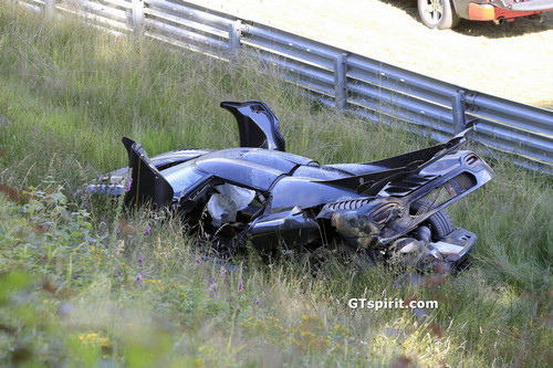 Koenigsegg-One1-Crash-3