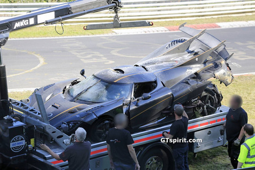 Koenigsegg-One1-Crash-14