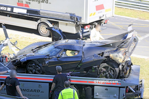 Koenigsegg-One1-Crash-13