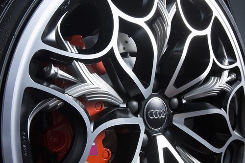 New-Audi-R8-×-「KINGSGLAIVE-FINAL-FANTASY-XV」_4
