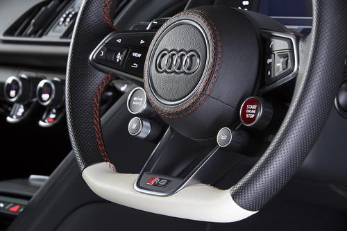 New-Audi-R8-×-「KINGSGLAIVE-FINAL-FANTASY-XV」_8