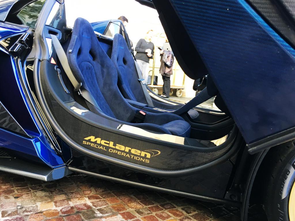 2017-McLaren675LTSpyderCarbon-19