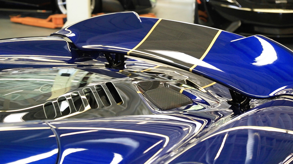 2017-McLaren675LTSpyderCarbon-07