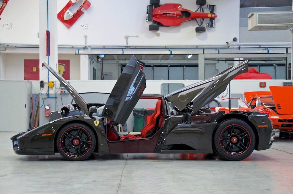 Ferrari-Enzo-13