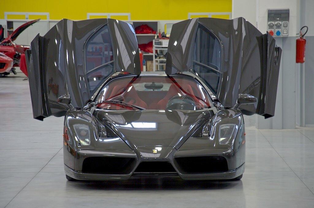 Ferrari-Enzo-23