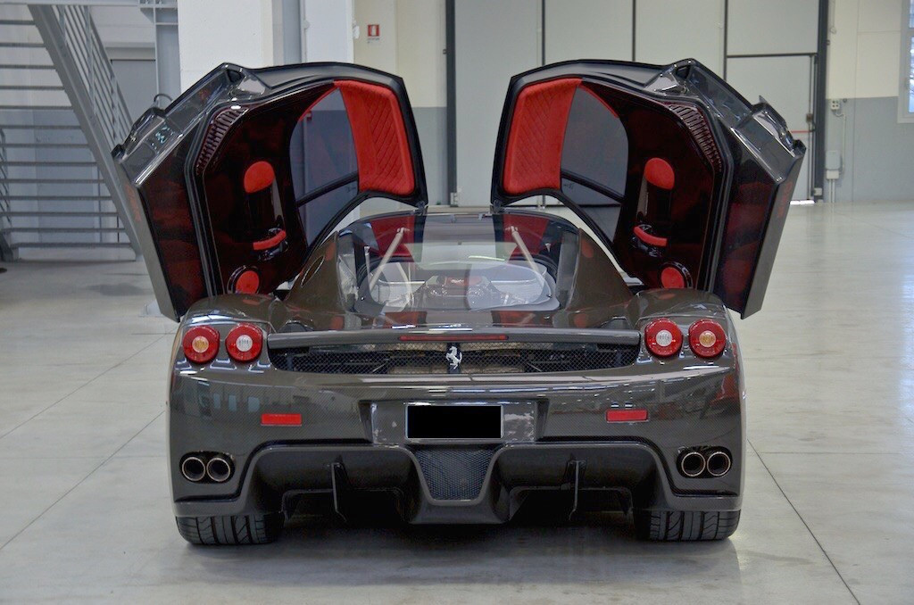 Ferrari-Enzo-14