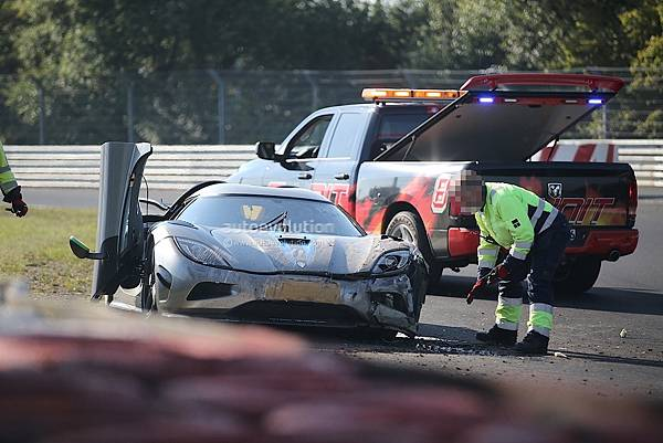 new-koenigsegg-agera-development-car-has-serious-crash-on-nurburgring_6