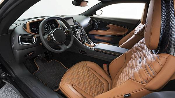 aston-martin-db11-v8-by-startech