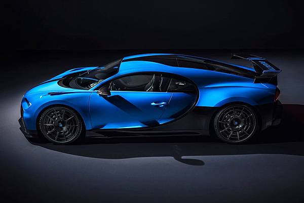 Bugatti-Chiron_Pur_Sport-2021-1600-10.jpg