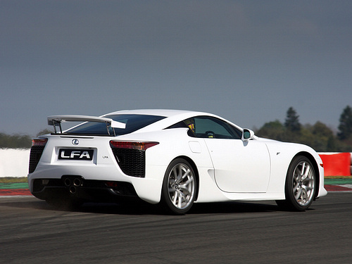 Lexus-LFA_2011_1600x1200_wallpaper_0a.jpg