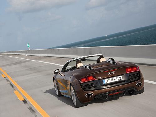 Audi-R8_Spyder_5_2_FSI_quattro_2011_1600x1200_wallpaper_09.jpg