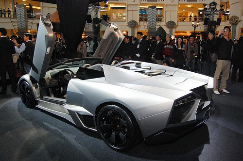 lamboghini-reventon-roadster-revealed-in-taiwan_13.jpg