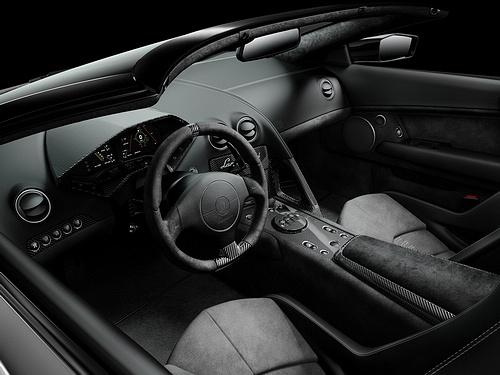 Lamborghini-Reventon_Roadster_2010_1600x1200_wallpaper_08.jpg