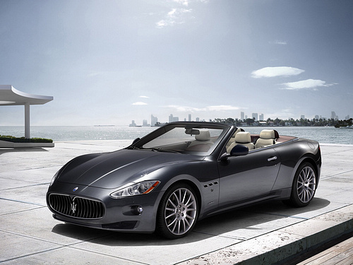 Maserati-GranCabrio_2011_1600x1200_wallpaper_06.jpg