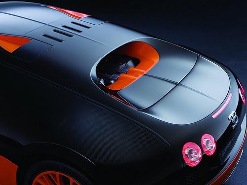 Bugatti-Veyron_Super_Sport_2011_1600x1200_wallpaper_14.jpg