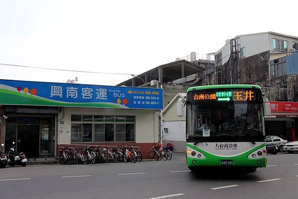 1029005微笑公車.jpg