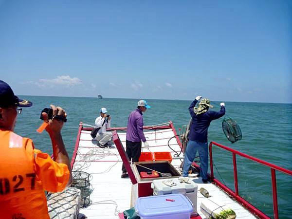 0601009非法籠具漁業.jpg