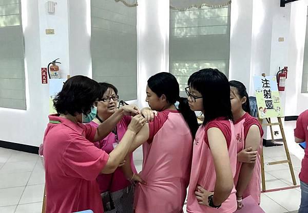1207020校園流感疫苗.JPG