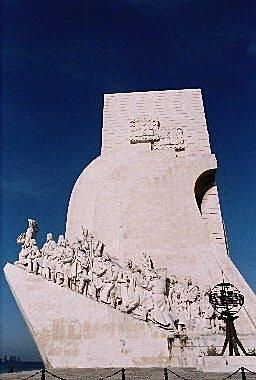 發現者紀念碑