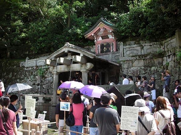 音羽の滝  奥の院 清水寺