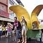 Janet推著香蕉車沿街叫賣,祭出買一送一,差點血本無歸