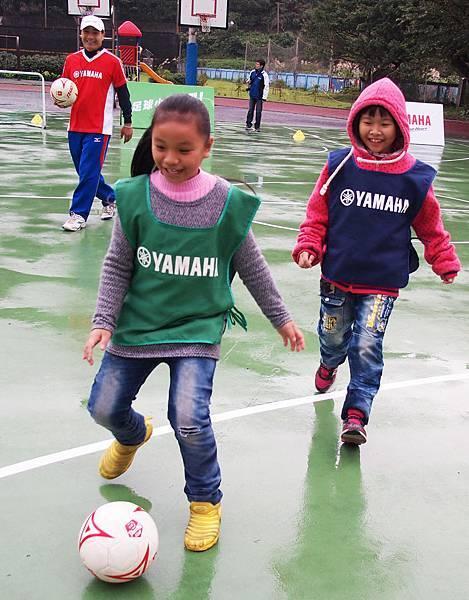 【YAMAHA CUP】最終站大鵬國小四年級女童展現活潑熱情,女孩也能感受足球魅力