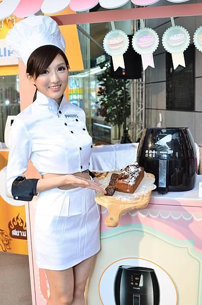 飛利浦健康氣炸鍋除了基本款的炸物料理,烘與烤等多元口感的精采呈現(圖由飛利浦提供)-1