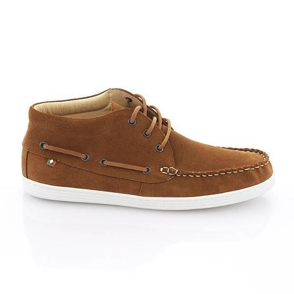 TRAVEL FOX 新年新品_紳士沙漠靴 系列_ 913608-48_ 皮革亮面- NTD 3,500元,麂皮面- NTD 3,200元