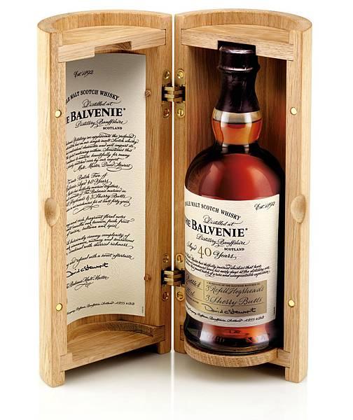 堅持以蘇格蘭傳統五大手工藝製酒,百富The Balvenie 40年單一純麥威士忌一舉拿下「15年以上蘇格蘭單一純麥威士忌最高榮譽」