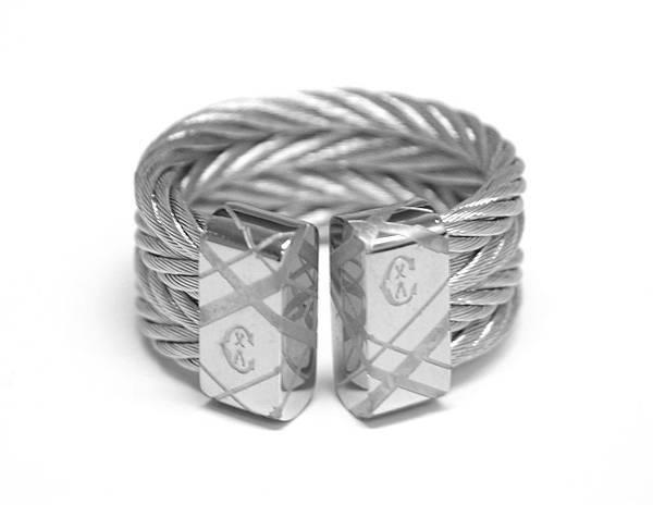 圖七 CHEVRON 銀色戒指,建議售價NT$8,700