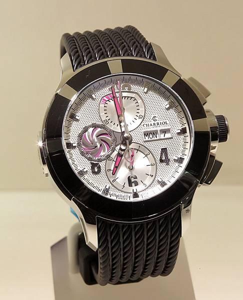 圖六 CHARRIOL GRAN CELTICA™ 自動計時白色腕錶,建議售價NT$132,900