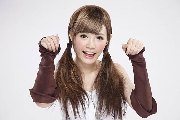 09 超萌代言人小敏(吳心緹)化身成女團長 準備了許多豐富的活動以及獎勵要獻給所有玩家
