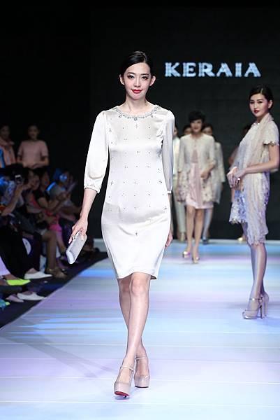 名模王心恬身穿KERAIA小洋裝走秀