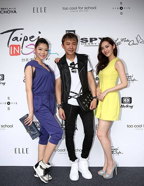 左起名模殷琦、知名造型師劉大強、名模王予柔出席中港澳炙熱時尚時裝秀