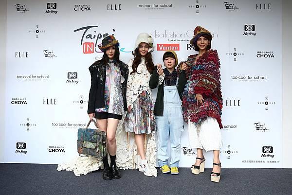 設計師Yumiko Sei與模特兒們合照