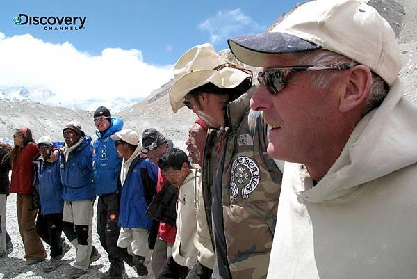 Discovery頻道繼首度率領先進的攝影團隊跟隨登山隊,登上聖母峰