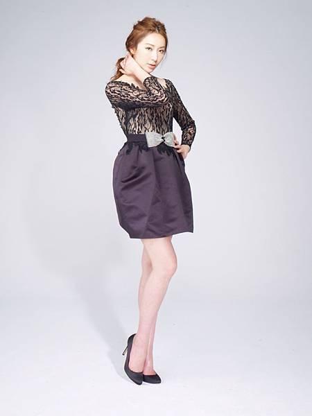 隋棠拍攝LG Smart生活家電全新平面廣告,展現優雅女神風情。