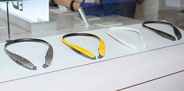 LG Tone Infinim藍牙耳機具備頂級音質與時尚外型。可伸縮式耳機線科技搭載滾輪按鈕,搜尋毫不費力。